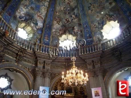 Interior del Templo, ID632, Ivan TMy, 2009
